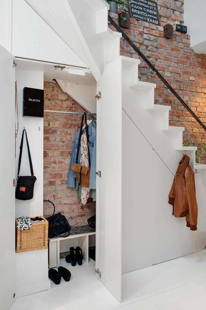 d couvrez 5 fa ons d 39 int grer des rangements votre escalier. Black Bedroom Furniture Sets. Home Design Ideas